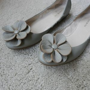 Anthropologie Shoes - Flower adorned flats by All Black